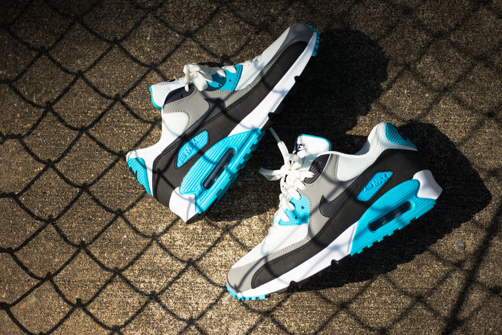 Nike_Air_Max_90_Essential_-_Summit_Blue_Sneaker_Politics_3_1024x1024