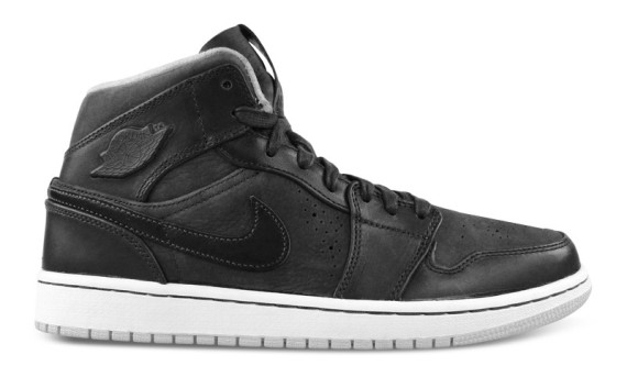 air-jordan-1-mid-nouveau-anthracite-pure-platinum-02-570x333