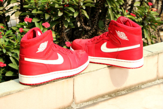 air-jordan-1-og-gym-red-release-date-06-570x380