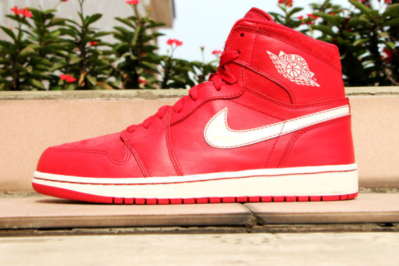 air-jordan-1-og-gym-red-release-date-07-570x380
