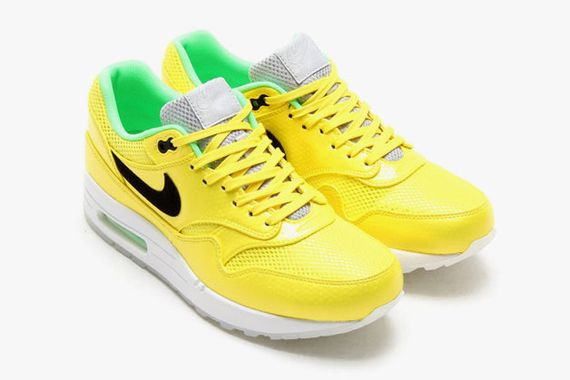 nike-air-max-1-fb-vibrant-yellow-1-630x419_result