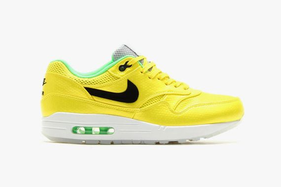 nike-air-max-1-fb-vibrant-yellow-2-630x419_result