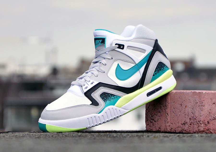 nike-air-tech-challenge-ii-turbo-green-01