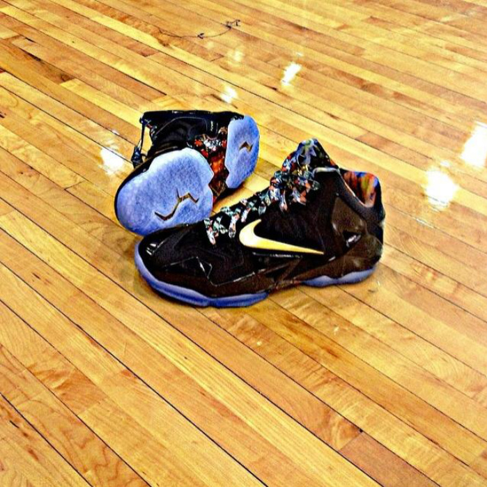 nike-lebron-11-watch-the-throne-pe-sample