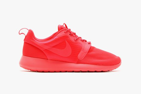 nike-roshe run-monochromatic pack
