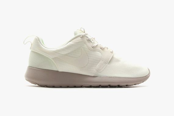 nike-roshe run-monochromatic pack_03