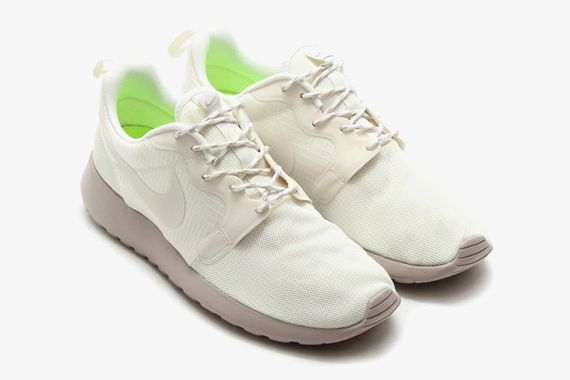 nike-roshe run-monochromatic pack_04