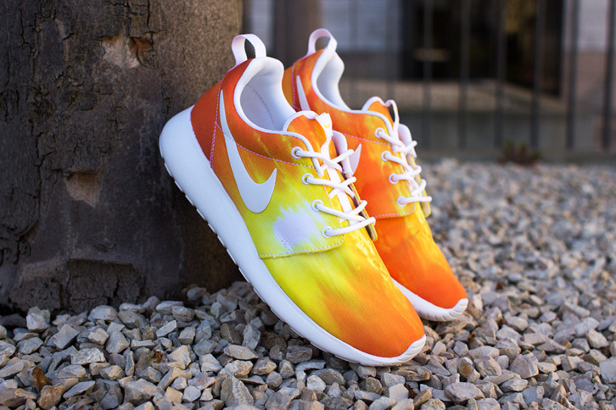 nike-roshe-run-sunset-011-900x599