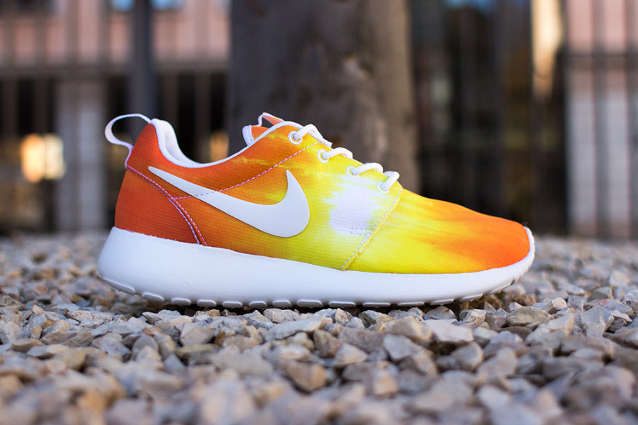 nike-roshe-run-sunset-02-900x599