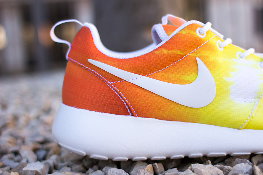 nike-roshe-run-sunset-03-900x599
