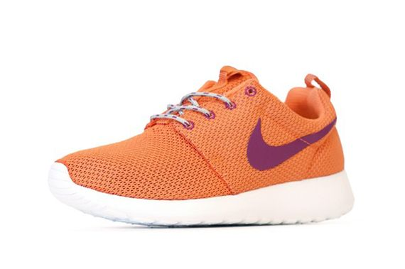 nike wmns-roshe-turf orange_02