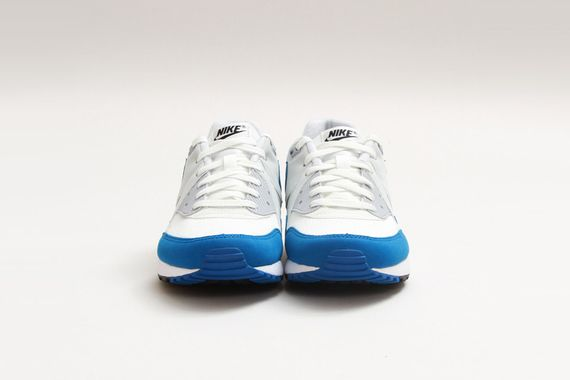 Nike-Air-Max-Light-Essential-Summit-White-Military-Blue-02_result