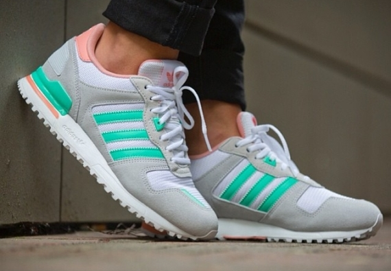 adidas-zx-700-womens-grey-turquoise-01
