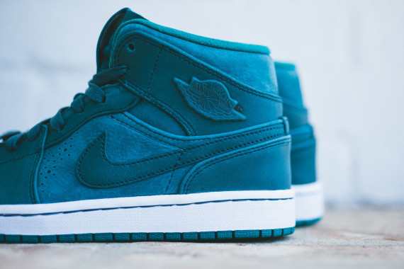 air jordan 1 mid nouveau nightshade