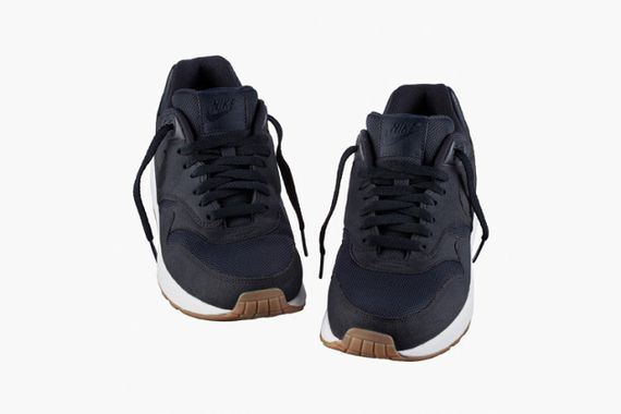 apc-nike-air-max-1-navy-spring-2014-2-630x420_result