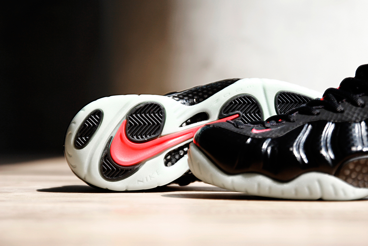 nike-air-foamposite-pro-prm-solar-red-5