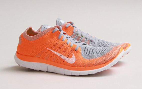 Nike Flyknit Libre Orange Et Gris