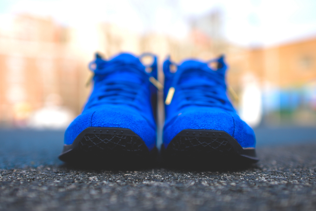 nike-lebron-11-xi-ext-blue-suede-4