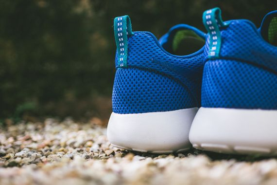 nike-roshe run-military blue-venom green
