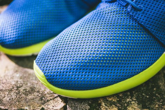 nike-roshe run-military blue-venom green_02