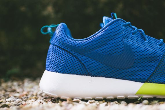 nike-roshe run-military blue-venom green_05