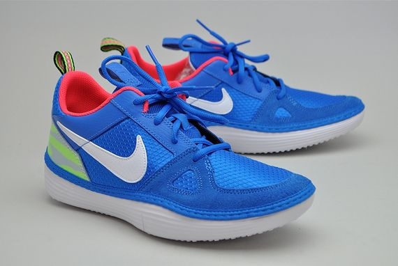 nike-solarsoft run-photo blue