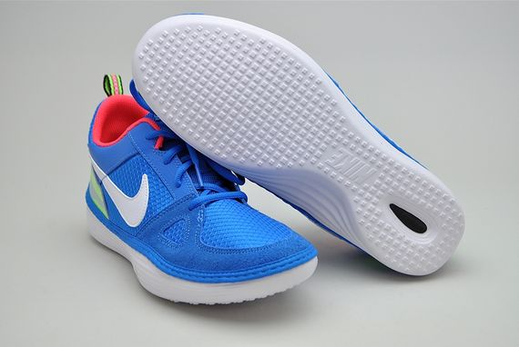 nike-solarsoft run-photo blue_02