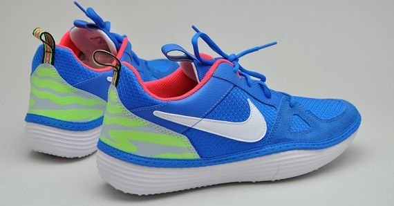 nike-solarsoft run-photo blue_03
