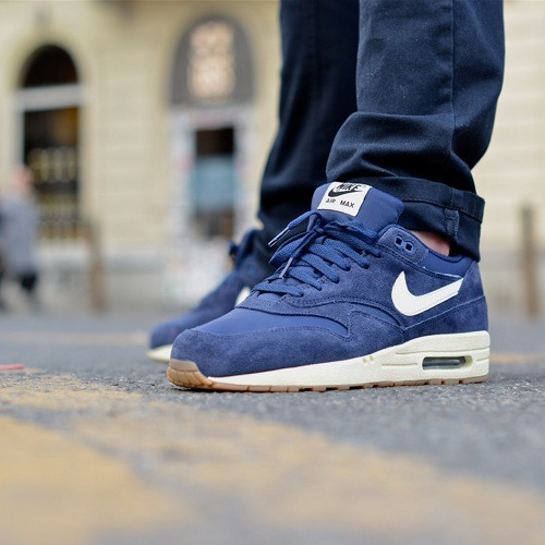 air max 1 essential navy suede
