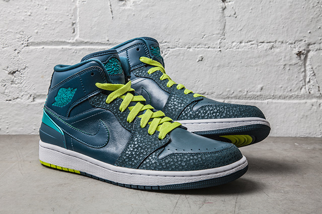 NIKE-AIR-JORDAN-1-RETRO-86-LUSH-TEAL-SAFARI-2
