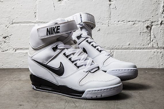 NIKE-AIR-REVOLUTION-SKY-HI-BLACK-WHITE-1_result