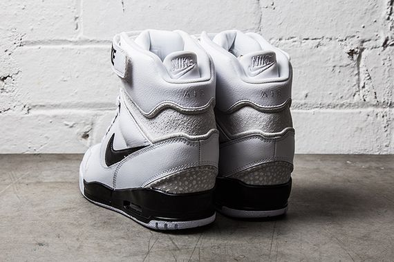 NIKE-AIR-REVOLUTION-SKY-HI-BLACK-WHITE-2_result