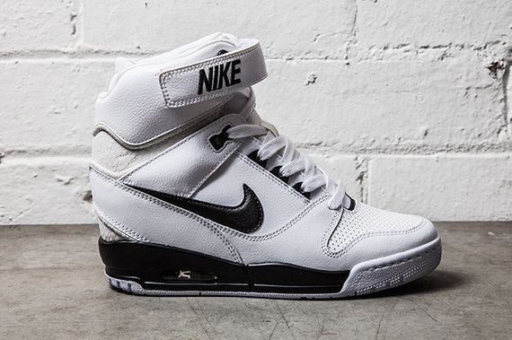 NIKE-AIR-REVOLUTION-SKY-HI-BLACK-WHITE_result