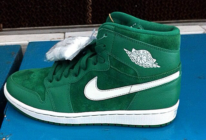 air-jordan-1-high-og-green-suede