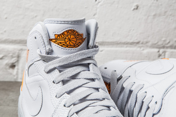 air-jordan-1-retro-86-kumquat-pure-platinum-02-570x379