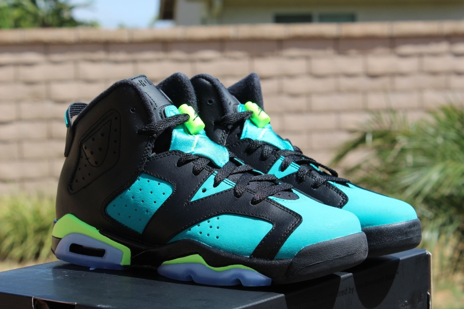 air-jordan-6-retro-gs-volt-ice-turbo-green-4