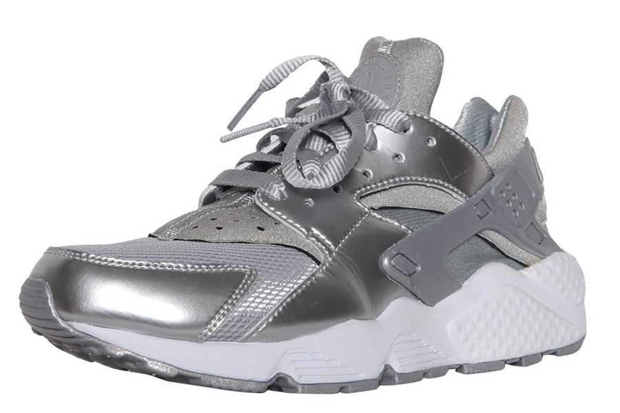 nike-air-huarache-metallic-silver-03