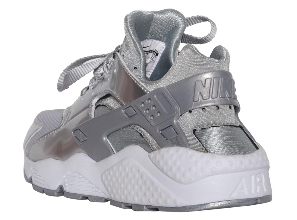 nike-air-huarache-metallic-silver-04