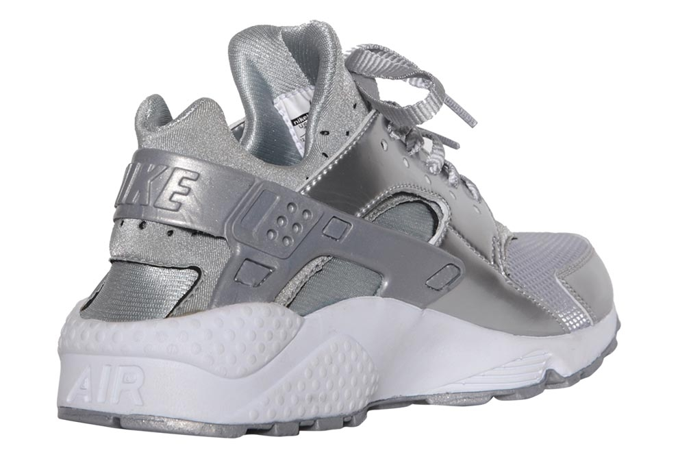 nike-air-huarache-metallic-silver-05