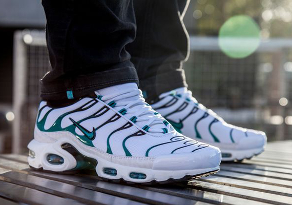 nike-air-max-plus-turbo-green