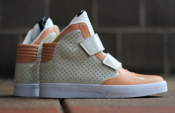 nike-fly stepper 2k3-light cognac