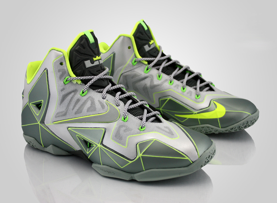 nike-lebron-11-vector-customs-0