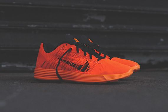 nike-lunaracer+-total orange_07