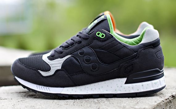 solebox-saucony-shadow5000-green lucanid_02