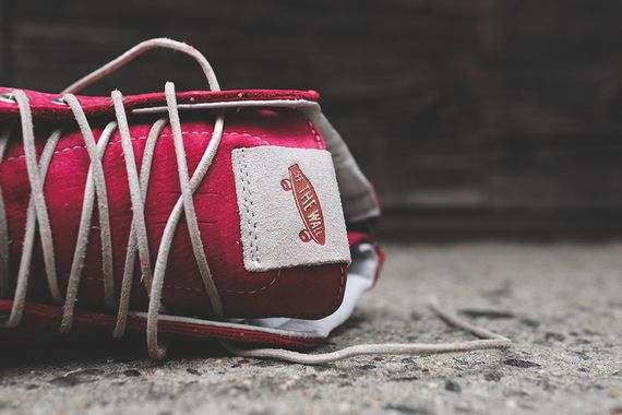vans vault-red white-zip lx_08