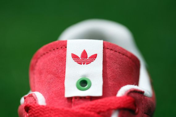 adidas-consortium-foot patrol-strawberries-cream_02