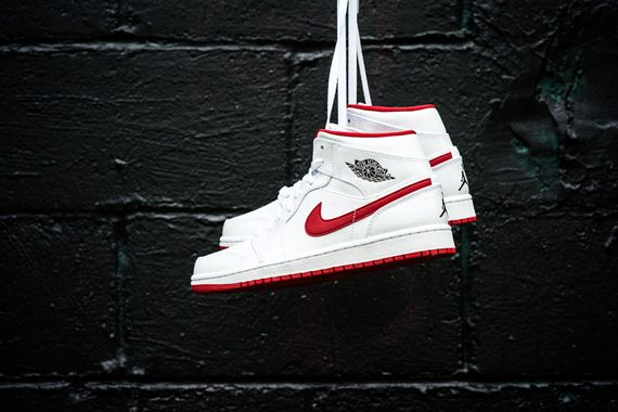 air jordan-1 mid-white-black-gym red