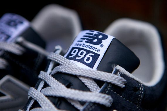 new balance-996-navy-beige