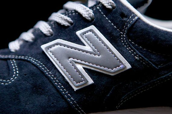 new balance-996-navy-beige_11