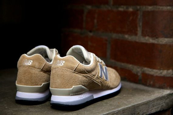 new balance-996-navy-beige_13